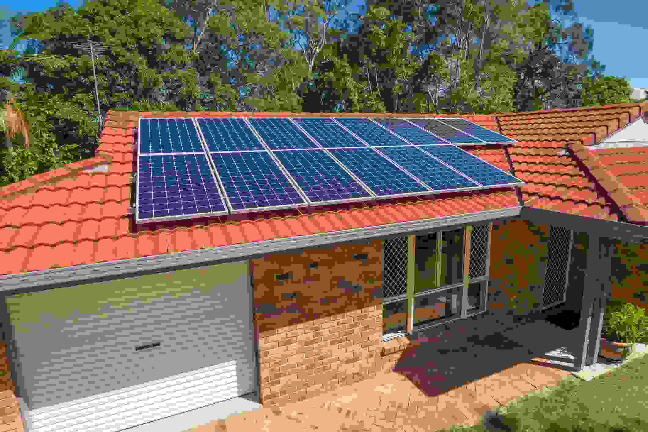 /media/1088/solar-installations.jpg?mode=crop&height=450&width=1200&quality=90